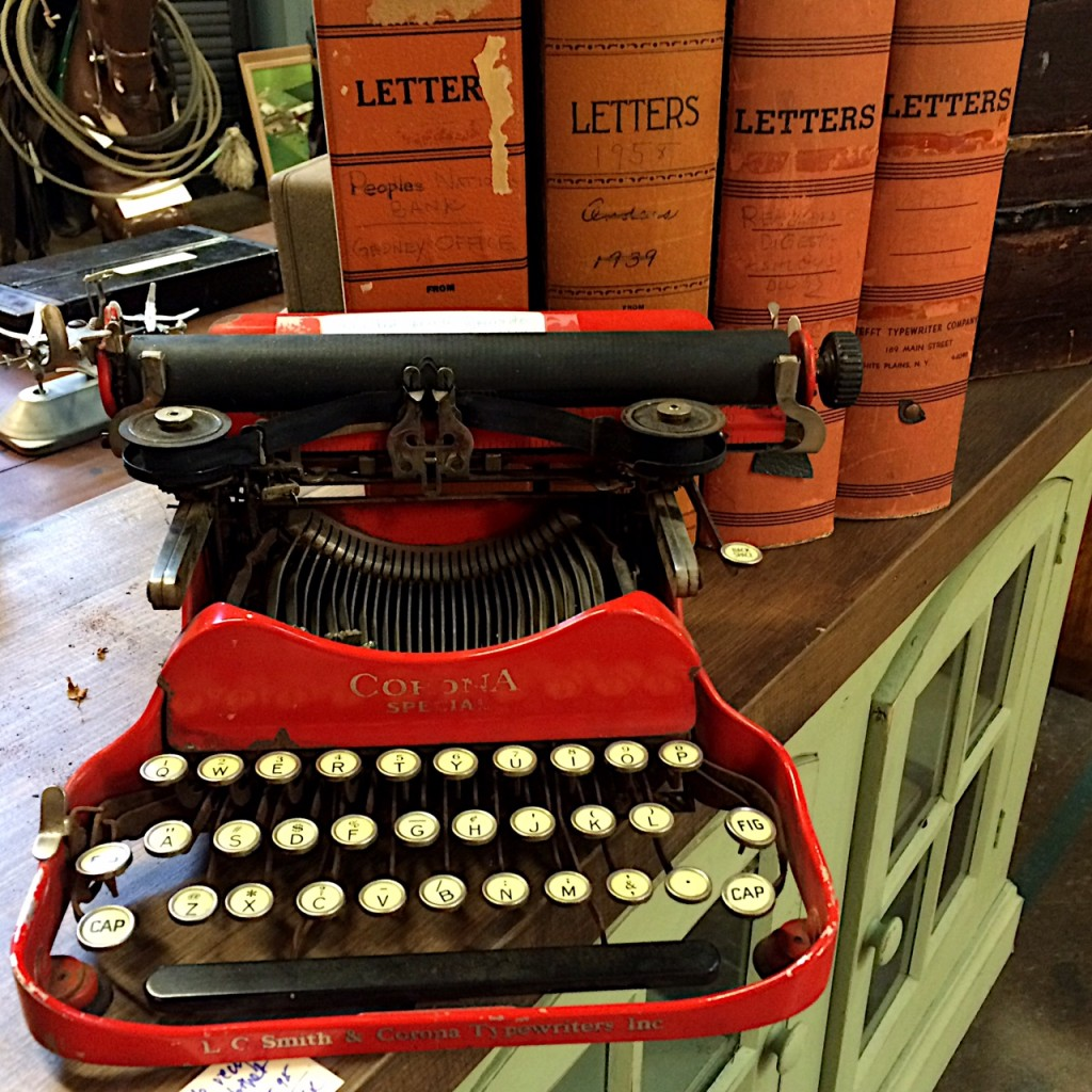 Back2School_Typewriter